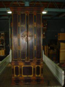 仏壇の洗濯(クリーニング)前の写真 仏壇の扉閉