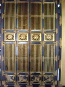 仏壇の洗濯(クリーニング)前の写真 仏壇の障子