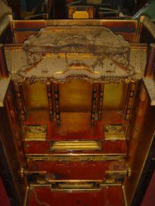 仏壇の洗濯(クリーニング)分解の写真 仏壇の内部