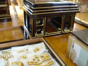 仏壇の洗濯(クリーニング)金箔貼の写真 台 彫り物