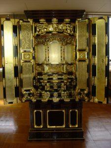 仏壇の洗濯(クリーニング)完成の写真 仏壇前面 扉