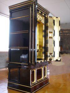 仏壇の洗濯(クリーニング)完成の写真 仏壇横前面